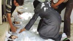 Disperazione di una mamma tra i corpi dei bambini siriani gasati da Assad
