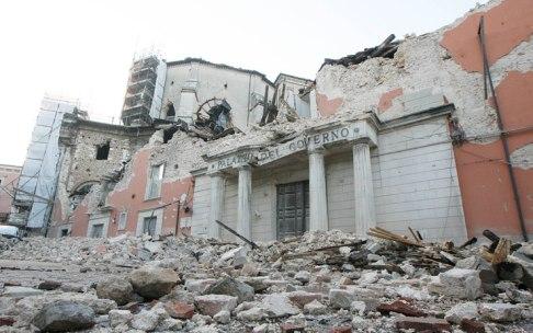 terremoto_abruzzo_palazzo_del_governo