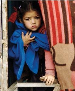 """Soli e senza cibo il dramma dei bambini nelle città distrutte """"Due milioni in pericolo"""" (ALESSANDRA BADUEL)"""