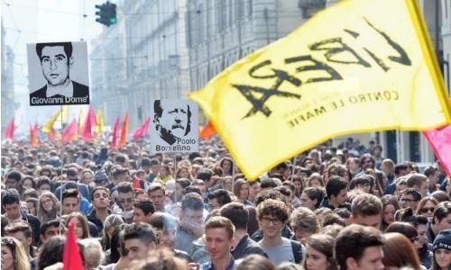 """Giornata vittime di mafia, 350mila in piazza in tutta Italia. Don Ciotti: """"Fondi e beni sequestrati, più velocità e chiarezza"""""""