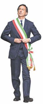 Milano: premier Renzi arrivato a Palazzo Marino